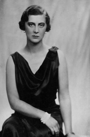 Фото №3 - Богемная принцесса: почему гардеробу Марины Кентской завидовала вся Британия