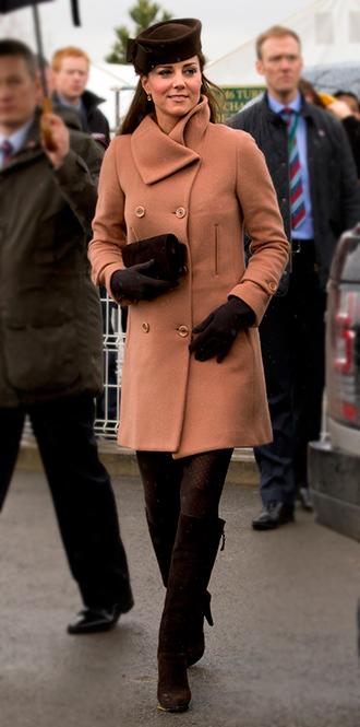 Фото №16 - В модном положении: две беременности герцогини Кембриджской (сравним?)