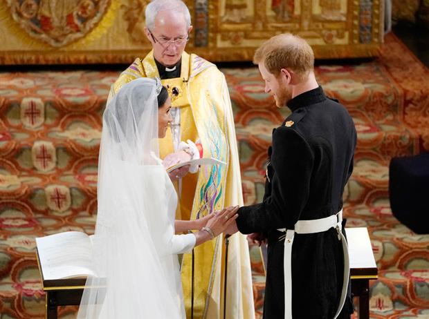 Фото №2 - Самые трогательные моменты королевских свадеб (о Гарри и Меган мы тоже не забыли)