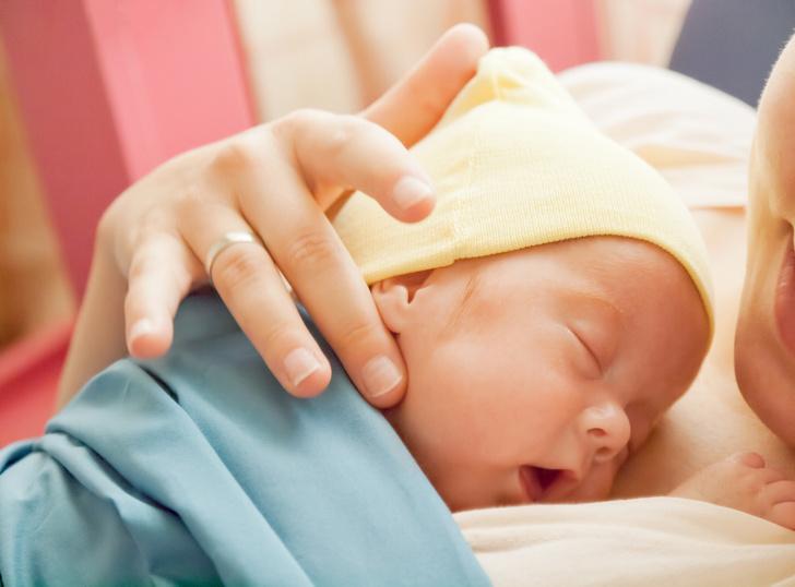 Фото №1 - Ростовчанка впервые стала мамой в 61 год