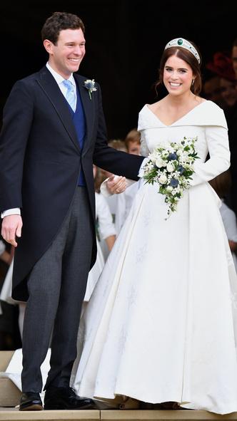 Foto #4 - De la Elisabeta a II-a la Printesa Beatrice: in ce pantofi s-au casatorit printesele
