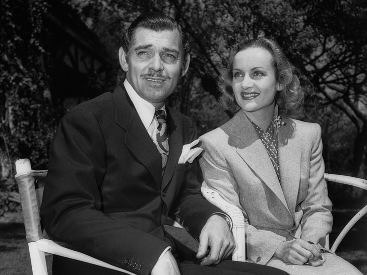 Фото №7 - Как выходили замуж легенды Голливуда: самые красивые ретро-фотографии