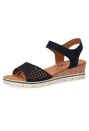 Фото №5 - От босоножек с декором до сандалий-гладиаторов: 10 антитрендов летней обуви
