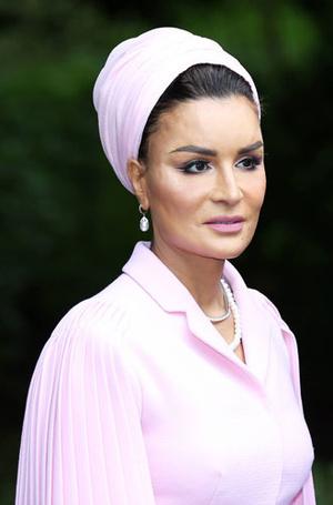 Фото №26 - Красивая политика: бьюти-секреты Первых леди и королевских особ