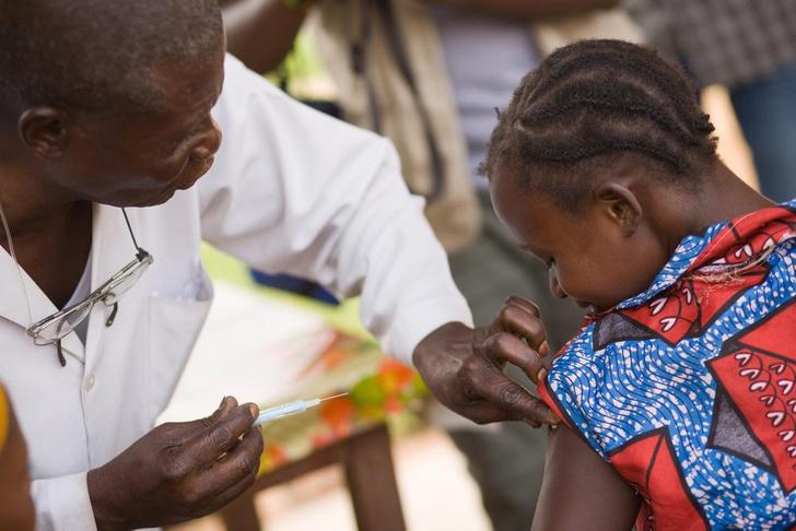 Фото №1 - Создана вакцина против лихорадки Эбола