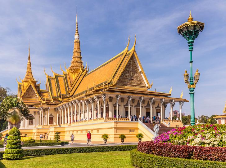 Фото №1 - Самые красивые королевские дома по всему миру