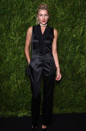Фото №6 - Кира Найтли и другие голливудские звёзды на ужине Chanel Fine Jewelry
