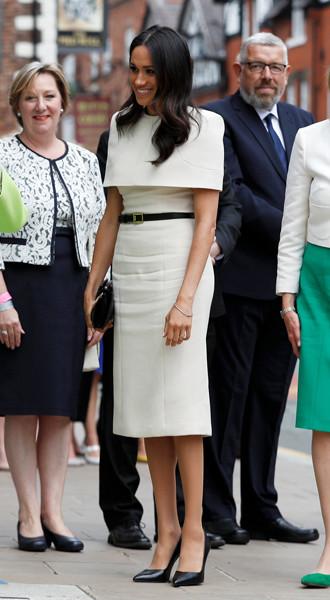 Фото №5 - Почему Меган Маркл не принимает британский стиль в одежде