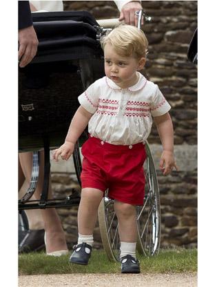 Фото №7 - Первые официальные фото с крестин принцессы Шарлотты
