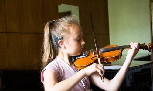 Фото №1 - На сцене капеллы Петербурга — дети с нарушениями слуха