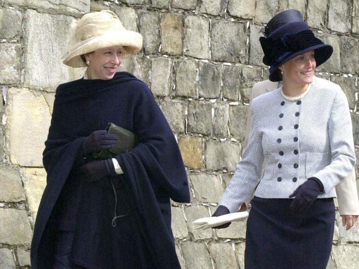 Фото №2 - Почему принцесса Анна не подружилась ни с одной из жен своих братьев, кроме Камиллы