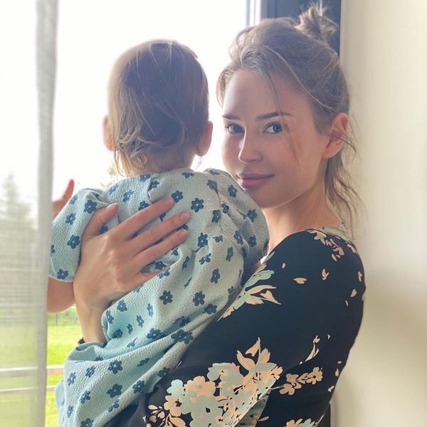 Фото №1 - «Мне очень больно»: Алена Гаврилова дала понять, что расставание с Эмином Агаларовым стало для нее громом среди ясного неба