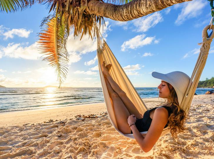 Фото №1 - Из зимы в лето: 6 пляжей, на которых можно встретить Новый год