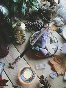 Фото №6 - Тест: Выбери ведьминскую атрибутику, и мы скажем, сколько в тебе процентов волшебства