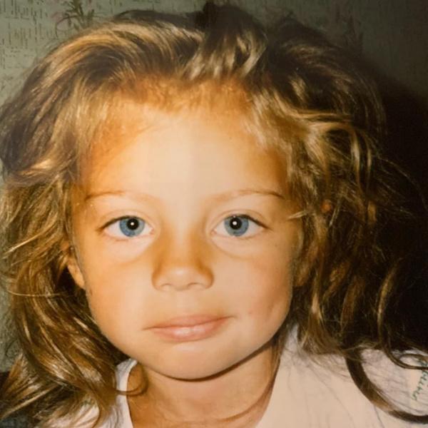 Фото №6 - Как выглядела сексуальная Катя Кищук в детстве