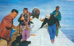"""Фото №2 - """"Красные ангелы """" альпийских вершин"""