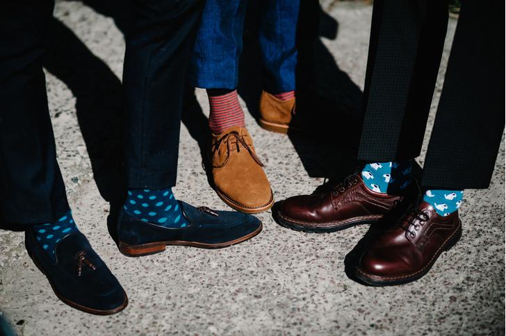 Фото №1 - Как выбрать идеального мужа, просто посмотрев на его ноги