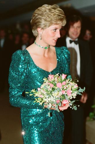 Фото №5 - 15 примеров, когда королевские особы надевали одно и то же вечернее платье несколько раз