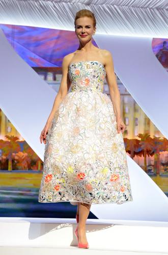 Фото №49 - Королева Канн: все модные образы Николь Кидман за историю кинофестиваля