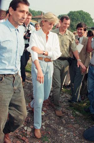 Фото №9 - Принцесса в джинсах: как Диана носила деним