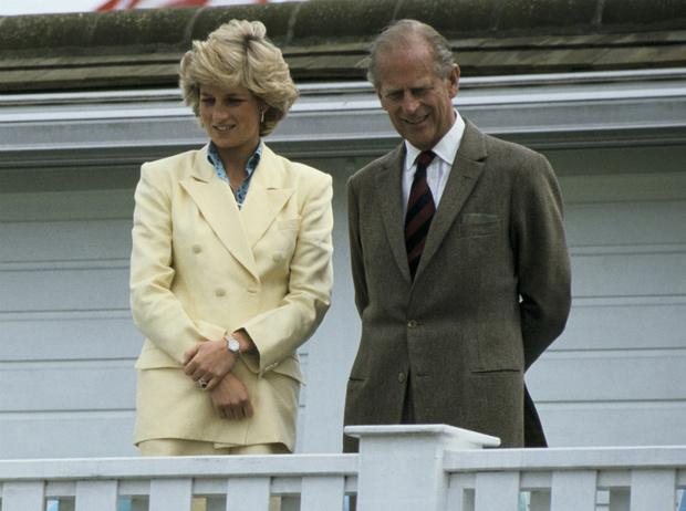 Фото №1 - Письма гнева: как принц Филипп пытался морально «уничтожить» Диану