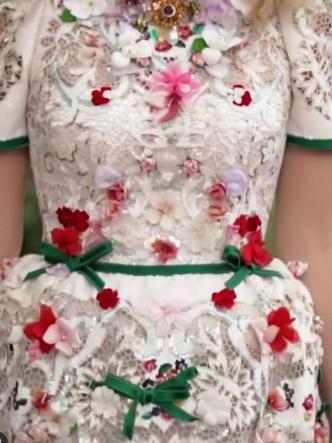 Фото №20 - Королевский размах: шесть свадебных платьев леди Китти Спенсер