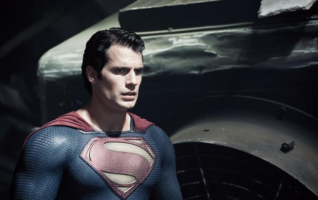 Фото №1 - «Плащ висит в шкафу»: Генри Кавилл еще раз сыграет Супермена