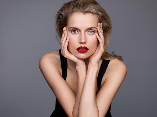 Фото №2 - Beauty-новинка недели: помада Joli Rouge Clarins
