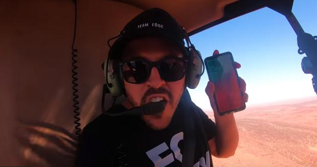 Фото №5 - Samsung S10, iPhone 11 и Nokia 3210 сбросили с вертолета (видео)