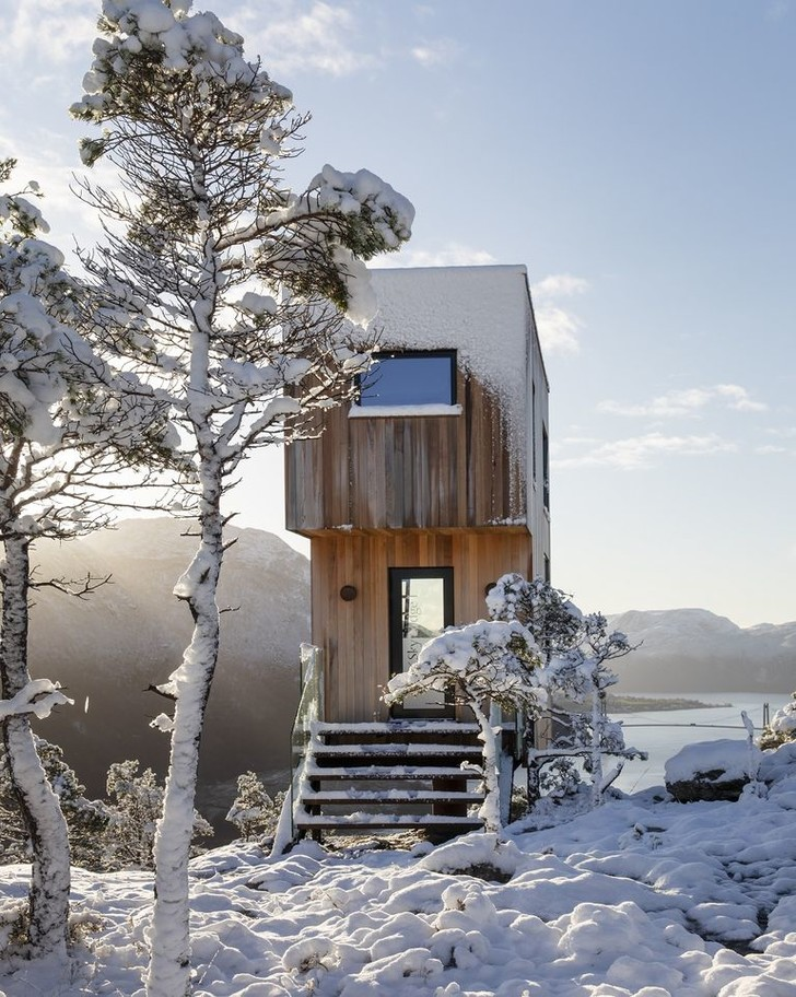 Фото №1 - Микроотель с видом на Люсе-фьорд в Норвегии