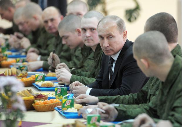 Фото №3 - Борщ для президента: личный повар Путина раскрыл его кулинарные предпочтения