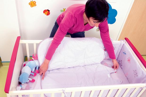 Как уложить новорожденного спать