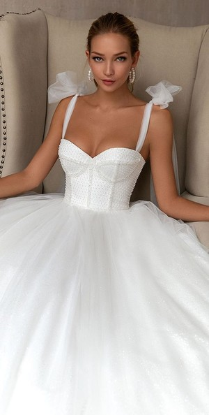 Фото №7 - Платье с корсетом: идея на лето и на выпускной
