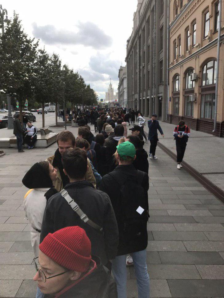 Фото №8 - В Москве началась серия одиночных пикетов в поддержку осуждённого на 3,5 года Павла Устинова (фото и видео)
