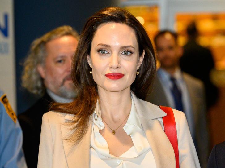 Фото №1 - Анджелина Джоли не исключает для себя возможности баллотироваться в президенты