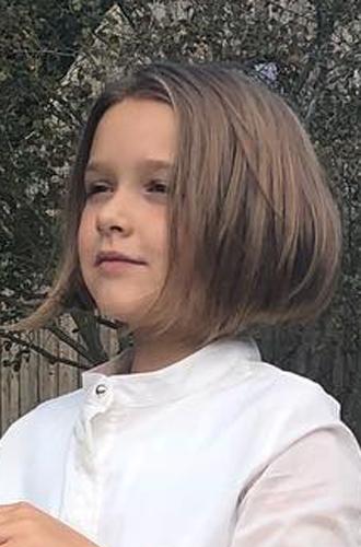 Фото №3 - Харпер Бекхэм подстригли под маму