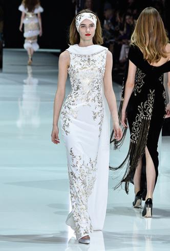 Фото №3 - 35 идей свадебных платьев с подиумов Недели высокой моды в Париже