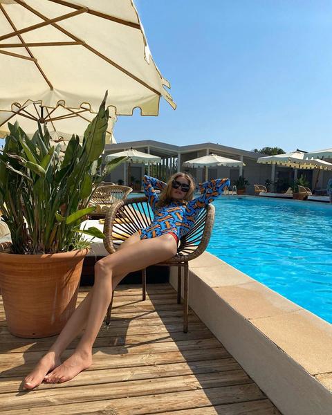 Фото №2 - Правильный ракурс или фотошоп? Наталья Водянова показала бесконечно длинные ноги