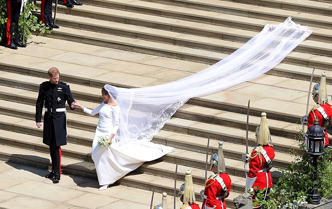 Фото №20 - От Одри Хепберн до Меган Маркл: знаменитые невесты в платьях Givenchy