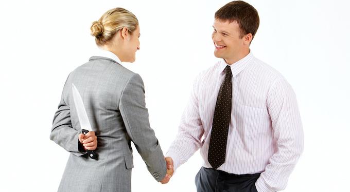 10 «правил выживания», для тех, кому приходится работать с нарциссами