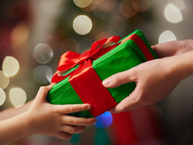 Фото №2 - Родители забрали у детей гаджеты, чтобы подарить их заново