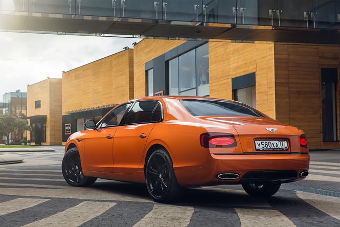 Фото №17 - Cамый быстрый четырехдверный Bentley в истории — Flying Spur W12 S