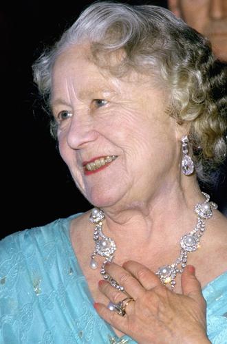 Фото №5 - Во сколько оценивается помолвочное кольцо Камиллы Паркер Боулз