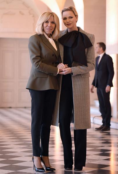 Фото №21 - Как выглядит Брижит Макрон на фоне других Первых леди