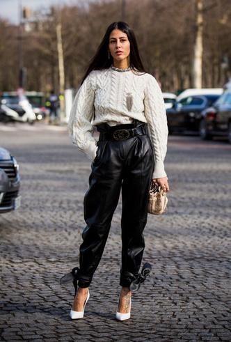 Фото №10 - Как носить кожаные брюки: самые стильные и простые сочетания