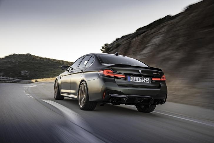 Фото №2 - Четыре миллиона за три десятых секунды: BMW представила самый мощный автомобиль в своей истории