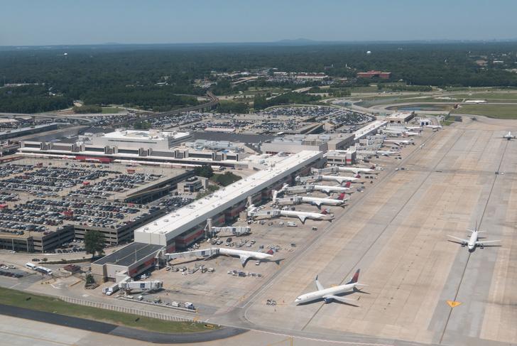 Фото №1 - Названы самые загруженные аэропорты мира
