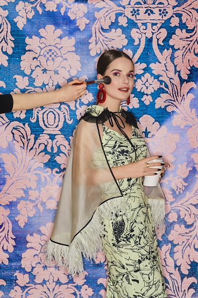 Болеро и платье, все– Sol Olga Selivanova Серьги, Mango Кольцо, Cartier