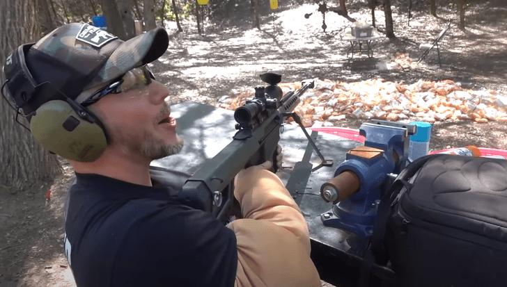 Фото №1 - Эксперимент: сможет ли доширак остановить пули? (Видео)