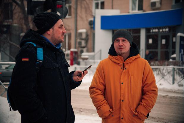 Фото №2 - «Роковые яйца»: прогулка по улице Ленина с актером Егором Овечкиным